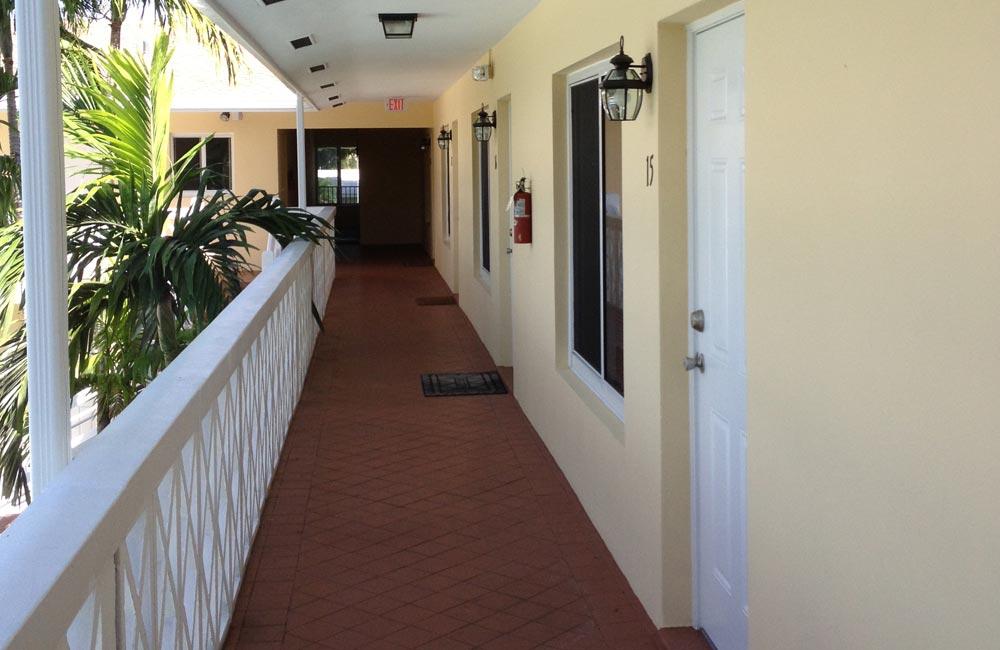 2100-balcony